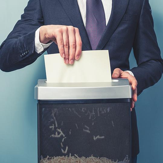 문서세단기로 철저하게  정보를 보호하라!